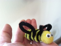 pipe cleaner bee